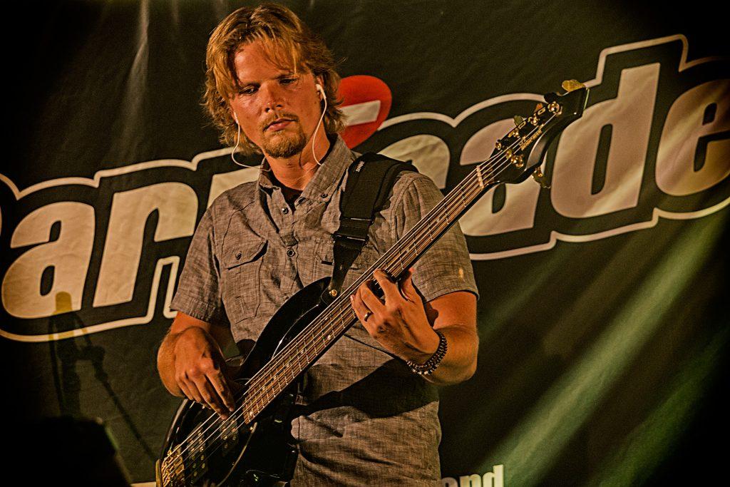 Simon de Jong - Barricade Band