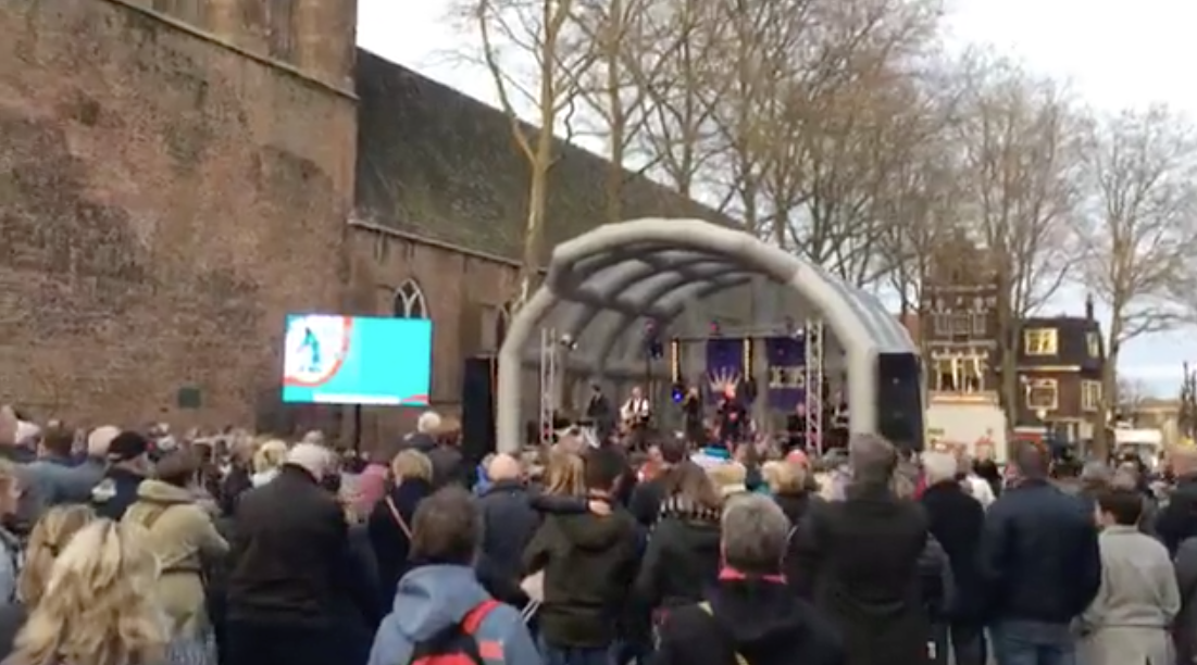 7 april 2017 pasen in meppel barricade for Ruth jacott leun op mij